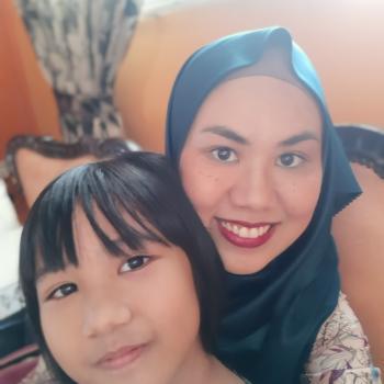 Babysitting job Singapore: babysitting job Noei