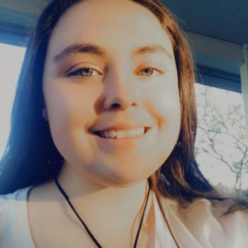 Babysitters in Port Macquarie: Lara