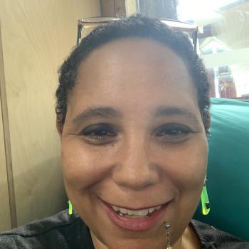 Babysitter Sydney: Linda M