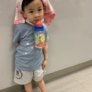 Babysitting job in Singapore: babysitting job 曉崴
