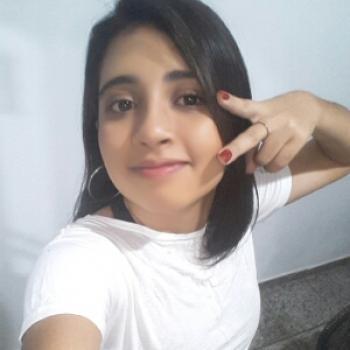 Babá Campo Grande: Larissa
