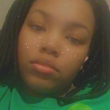 Babysitter in Newark: Rubyred