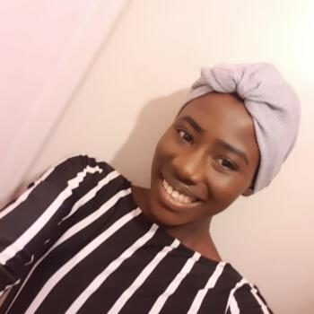 Babysitter Paris: Dioumaba