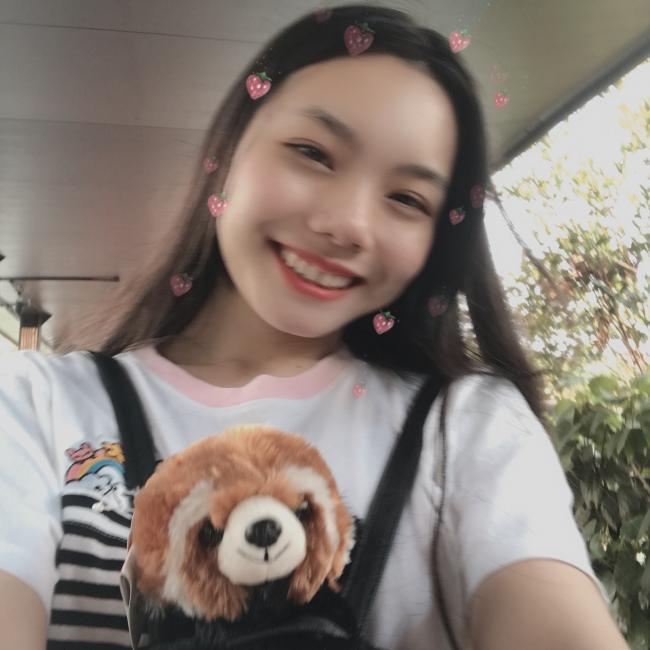 Babysitter in Singapore: Caren