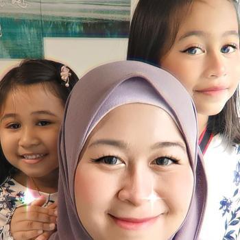 Babysitting job in Singapore: NaNa