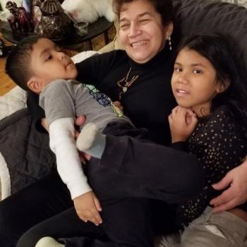 Babysitter Staten Island: Elina