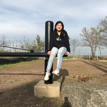 Babysitter in Staten Island: Jade