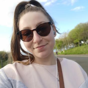 Babysitter Edinburgh: Léonie