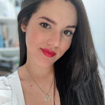 Babá em Caruaru: LARISSA
