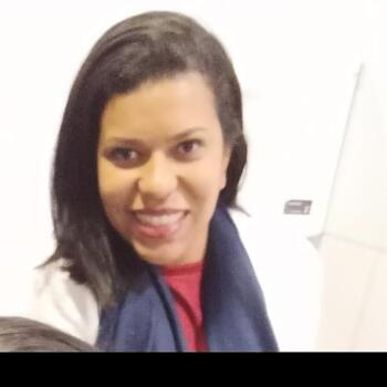 Babá em Brasília: Karyne