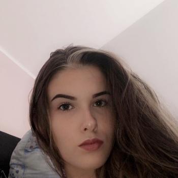 Babysitter Turnhout: Angelina Stoychev