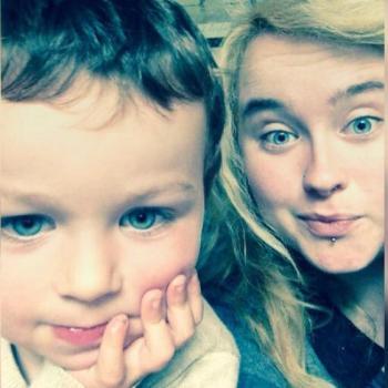 Babysitter Bray: Leah