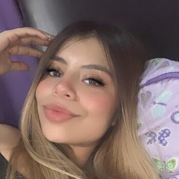 Babysitter in San Pedro: Naomi