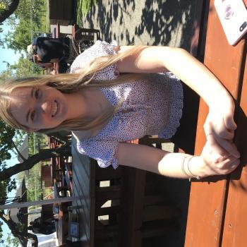 Babysitter in Puketapu: Maddie