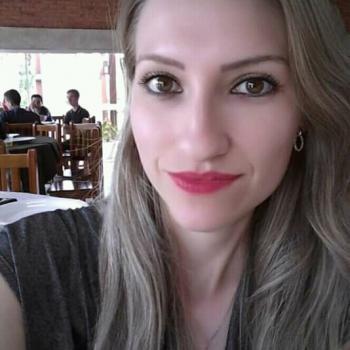 Babá Joinville: Jéssica Martins