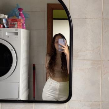 Babysitter in La Louvière: Amandine
