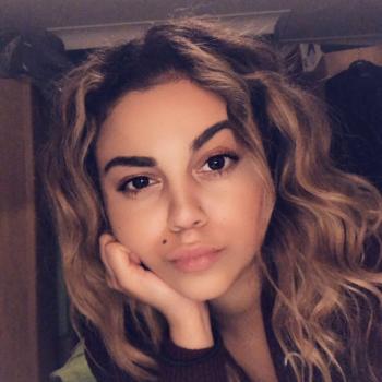 Babysitter Isleworth: Zayneb