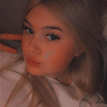 Babysitter in Warrington: Molly