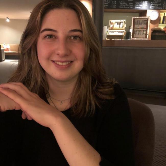 Babysitter in Eschen: Jana