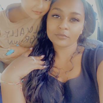 Babysitting job in Auckland: babysitting job Rannia