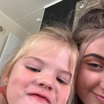 Babysitter in Levin: Tia
