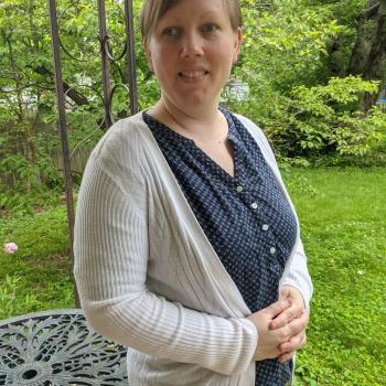 Babysitter in Greenwood: Shanna