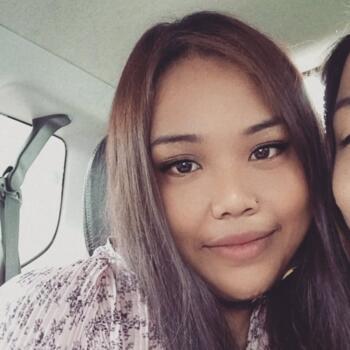 Babysitter in Singapore: Nur