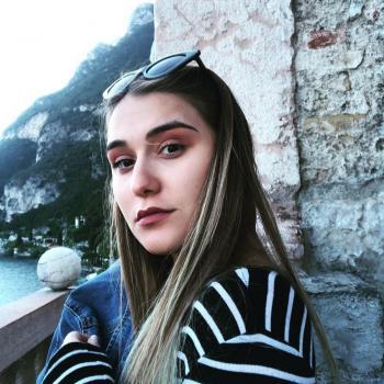 Babysitter Milan: Hilal