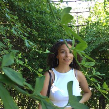 Babysitter em Oeiras: Andria