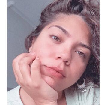 Babysitter in Faro: Ana Carolina
