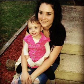 Babysitter Orange: Courtney