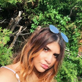 Babysitter Laval: Anastacia