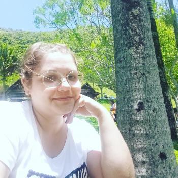Babysitter Blumenau: Priscila Dos