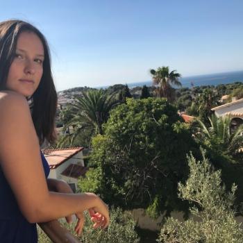 Babysitter Nîmes: Nina