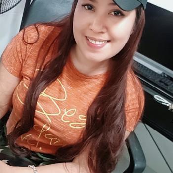 Babysitter Singapore: Fatima