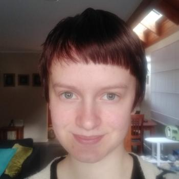 Babysitter Elise (16) from Auckland | Babysits