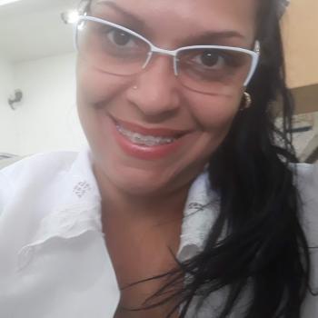 Babá em Goiânia: Caroline