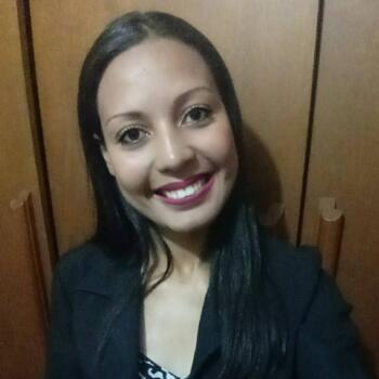 Babá em Valinhos: Leandra Vitoria