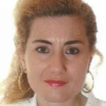 Babysitter in León: Mª DOLORES LLAMAZARES MARTINEZ