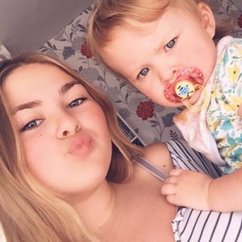 Babysitter Dudley: Molly