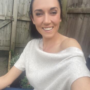 Babysitter in Bristol: Roxana