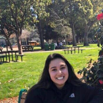 Babysitter San Bruno: Leticia