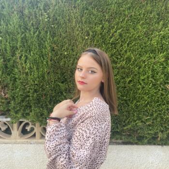 Babysitter in Charleroi: Ylana