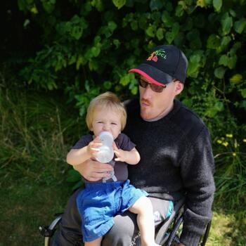 Babysitter Feilding: Marc Dewes