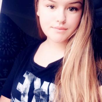 Babysitter Adelaide: Sharleigh