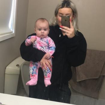 Babysitter Mandurah: Mia