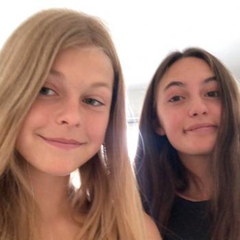 Barnvakt Ängelholm: Annabelle och Nicole