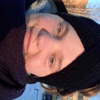 Lastenhoitaja Joensuu: Roosa
