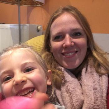 Baby-sitting Lierre: job de garde d'enfants Claudia
