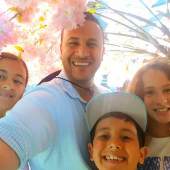 Babysitting job Auckland: babysitting job Jay